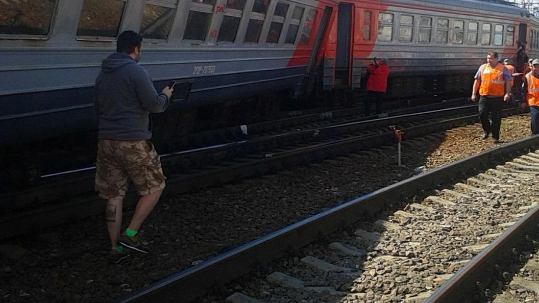 Поезд Воркута - Санкт-Петербург сошел с рельс. Онлайн-трансляция