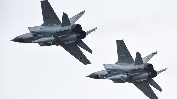 Отрабатываются задачи перебазирования: К границе США переброшены два Ту-160