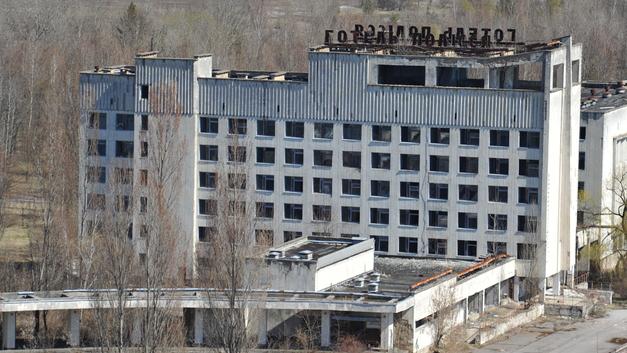 Порошенко пообещал Чернобылю новый саркофаг
