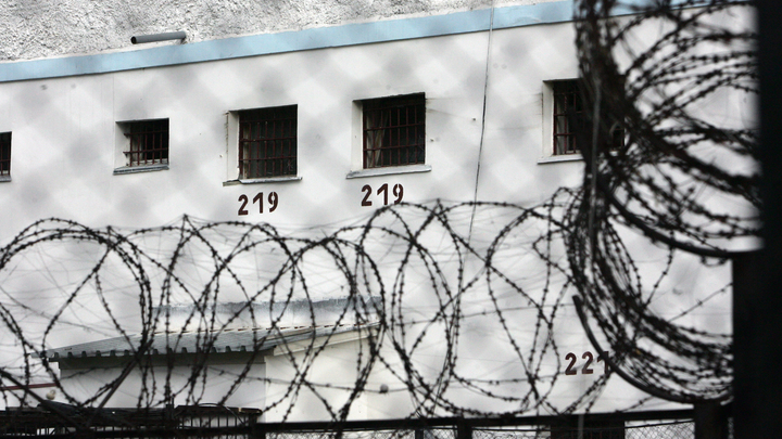 Тюрьмы и наручники вместо хлеба: Минфин нарисовал «светлое будущее» России
