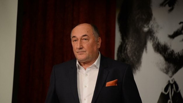 Пораженный раком легких актер Борис Клюев не стал отказываться от игры в театре