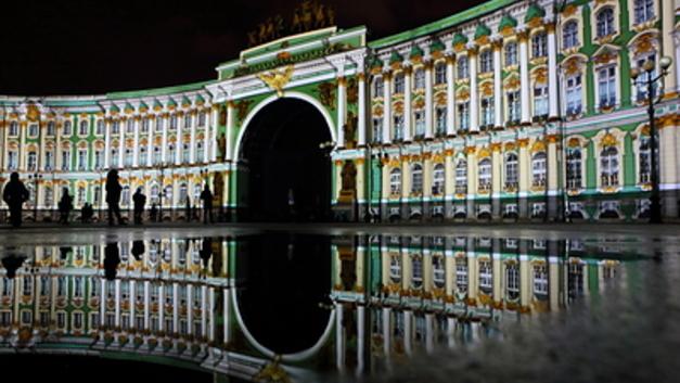 Культурный обмен: Золото и лепнина на полмиллиарда рублей ушли вместо Эрмитажа в дома чиновников