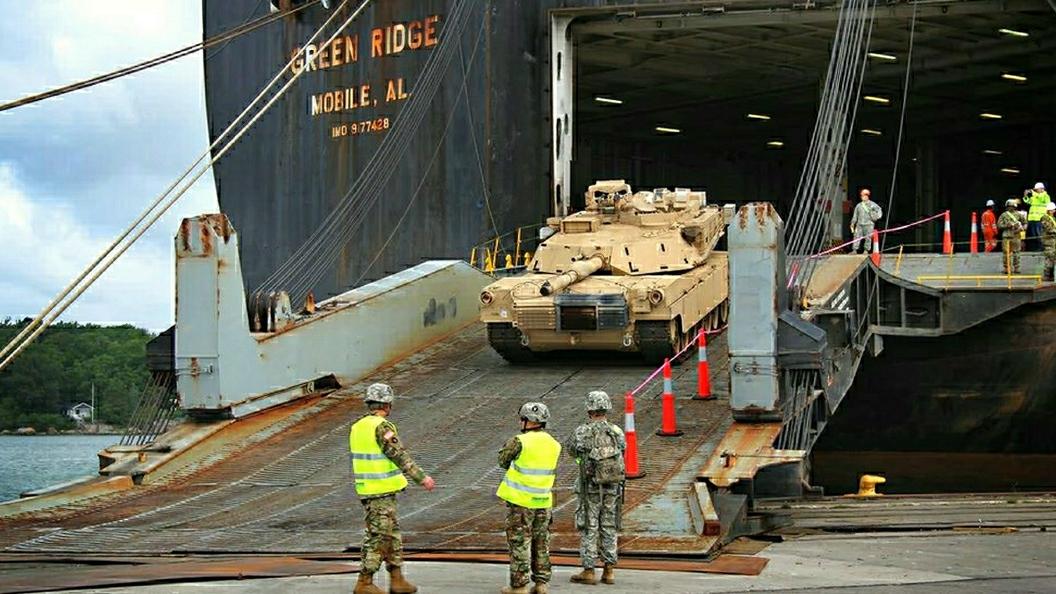 Впорт Бельгии прибыла партия военной техники изсоедененных штатов