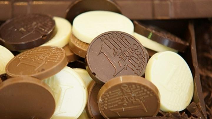 Горит, но не вредит: Глава Роскачества развеял главный шоколадный фейк