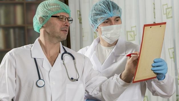 Робот впервые принял участие в нейрохирургической операции в России