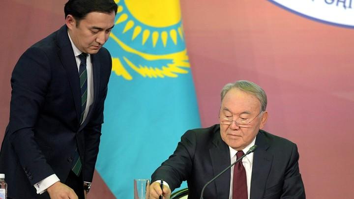 В Казахстане Назарбаеву разрешили пожизненно возглавлять Совбез