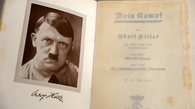 «Где нет дна, там бездна»: В Эстонии выпустили комикс «Хипстер Гитлер»