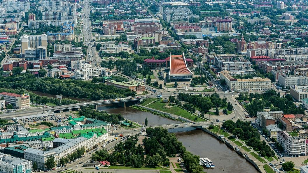 Учительницу из Омска уволили за выложенные в сеть