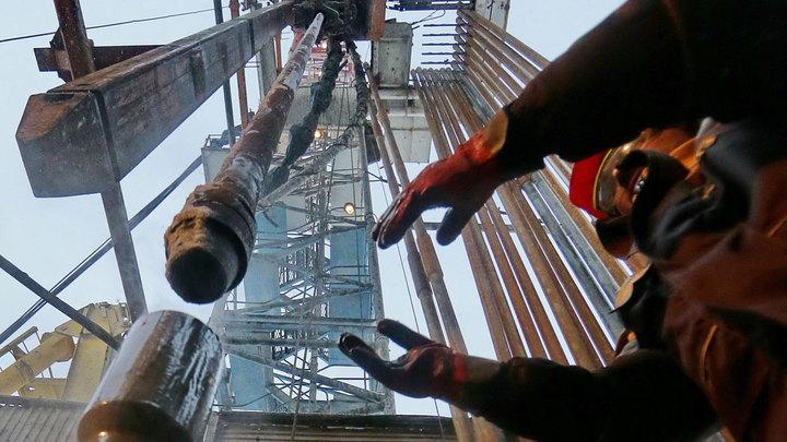 Эксперты: Дальнейшее падение цен на нефть неизбежно