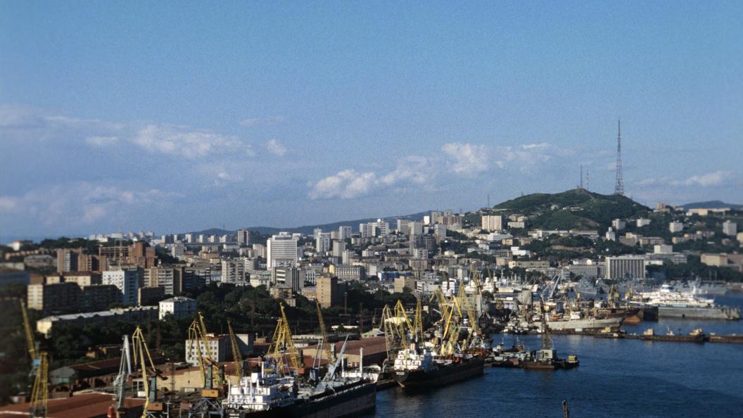 Голодающие сироты из Владивостока добились законных квартир