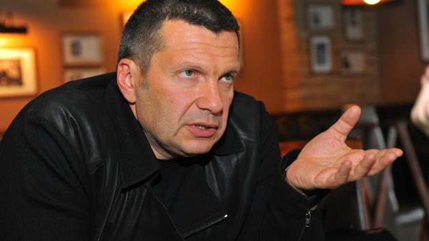 Украинский провокатор провалился с ответом о «числе дул автоматов» в Крыму