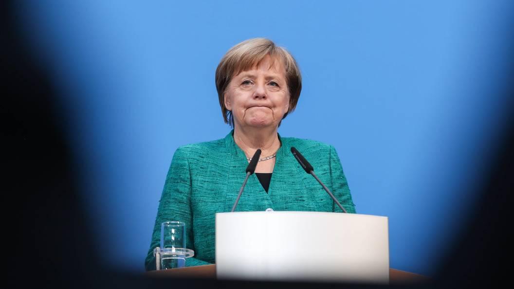 Руководитель МВД Германии подает вотставку