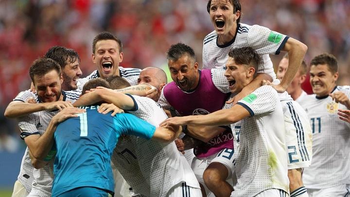 Москва всю ночь отмечала победу сборной России над Испанией