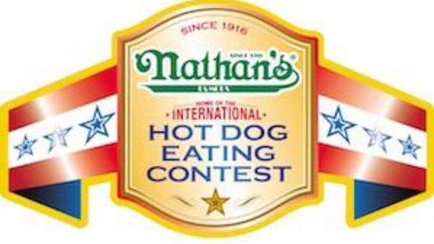 Американские «Челюсти»: Рекордсмен по поеданию хот-догов объел сам себя