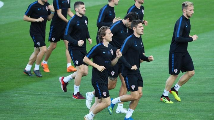Хорватия - Англия: чей поезд доедет до финала?