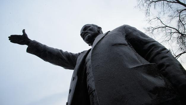 «Два» по истории»: Заявление депутата КПРФ о величии Ленина не нашло поддержки в Сети