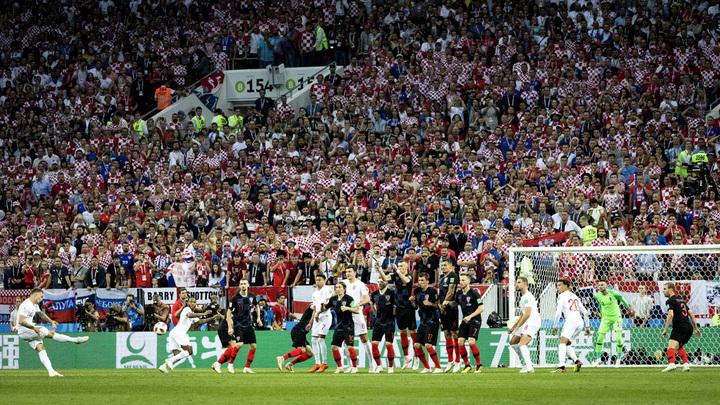«Спасибо, Россия!»: Хорватские фаны по-своему отблагодарили РФ за победу над Англией - фото