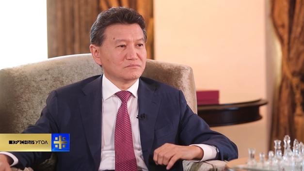 Легендарного главу FIDE Кирсана Илюмжинова сместили с должности