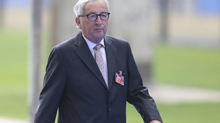 И тот на него упал: На саммите НАТО в Брюсселе с Порошенко общался только «пьяный Юнкер»