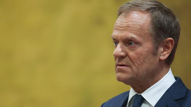 Туск заявил об угрозе перерастания торговых споров в военные столкновения