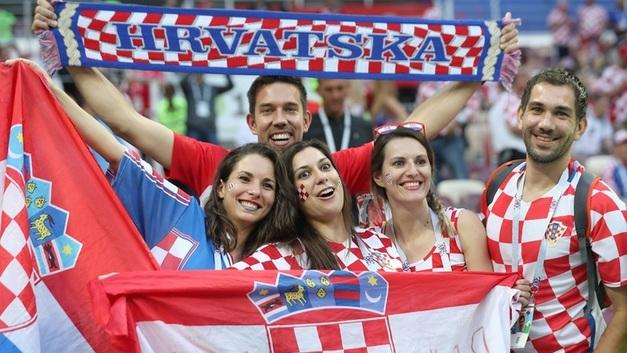 Хорватский болельщик восхитился русскими девушками и поставил Москву выше Лондона