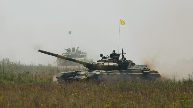 На Украине блогеры нашли заброшенную часть с полностью готовыми танками