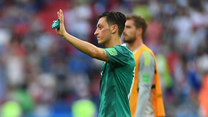 Футболист сборной Германии оправдался зафото сЭрдоганом