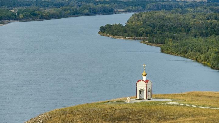 ВАстраханской области перевернулась лодка сдетьми, погибли трое