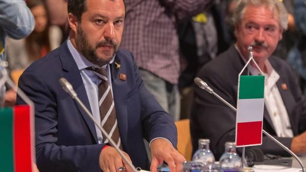 «Его враги - итальянцы»: Из-за цитаты фашистского диктатора на главу МИД Италии посыпались неприятности