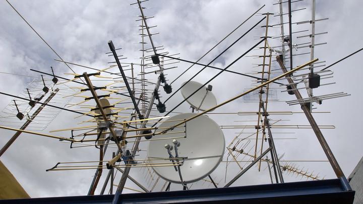 Вдомах граждан России может появиться бесплатное спутниковое телевидение