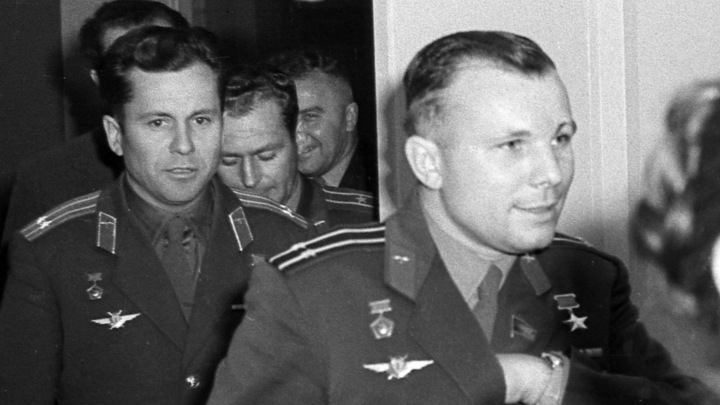 На «Авито» выставили раритеты из «личных закромов» космонавта Юрия Гагарина