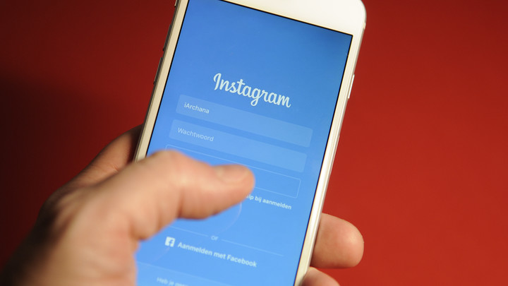 Соцсети навылет: Пользователи Facebook и Instagram пожаловались на сбой