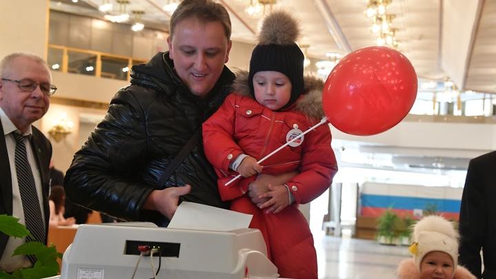 Единый день голосования: В Якутии - скандал со снятой с голосования партией, а на Алтае проверяют законность опроса среди избирателей