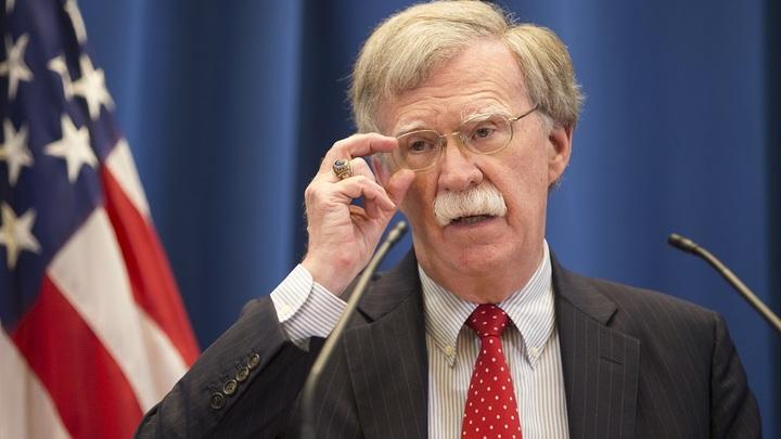 Болтон выразил надежду на отказ России от поставок С-300 Сирии