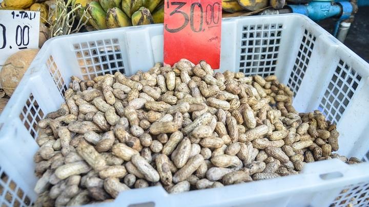 Китайская компания пыталась ввезти в Россию 19 тонн отравленного арахиса