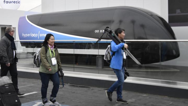 Hyperloop сможет возить пассажиров через пять лет