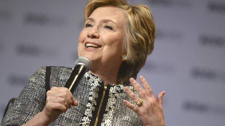 Поставившую под угрозу безопасность США Клинтон наконец лишили доступа к секретной информации