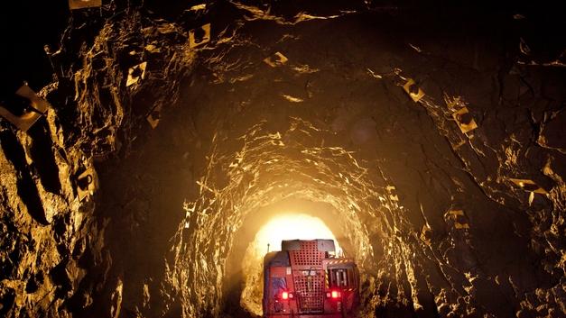 В Кузбассе более 100 шахтеров бежали из-под земли, чтобы не задохнуться