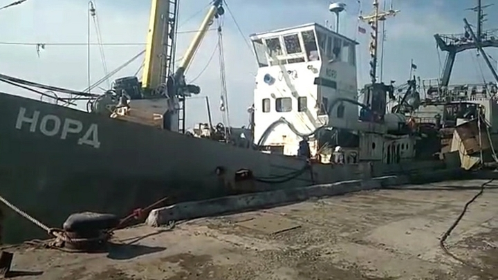 «Нас всех закрыли в кубрике под дулами автоматов»: Матрос «Норда» рассказал о захвате судна Украиной