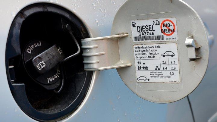 Топливо продолжает дорожать вопреки соглашению с нефтяниками — СМИ