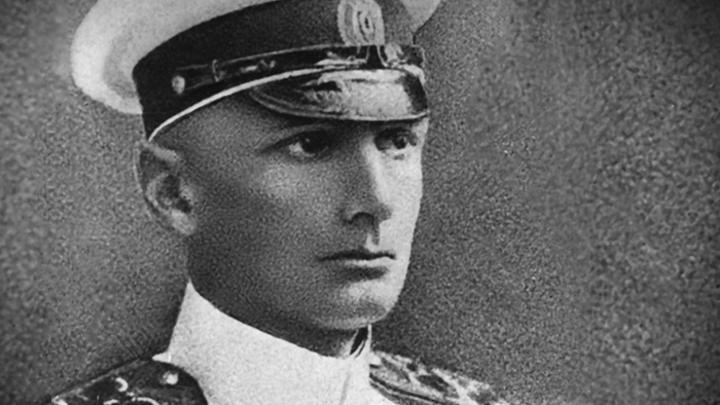 Адмирал Колчак мог бы оскорбиться за свою реабилитацию