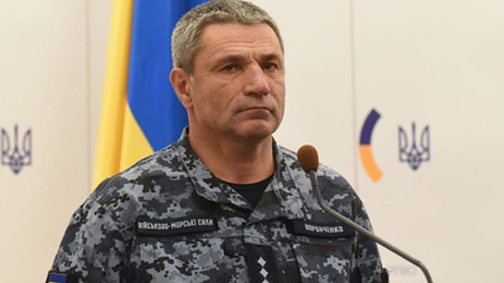 «У двух родители в Крыму»: Глава ВМС Украины заявил о давлении на задержанных матросов