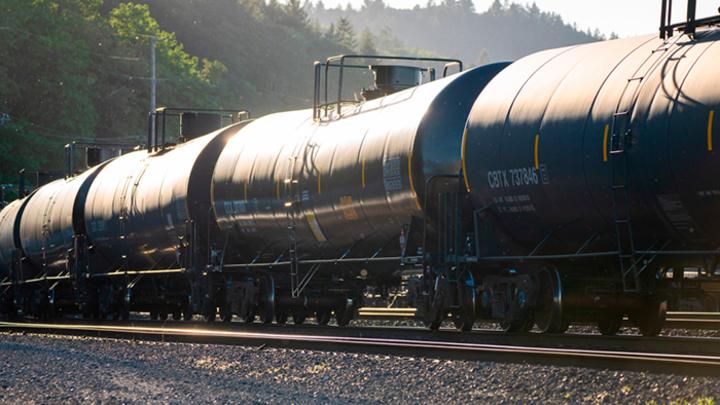 Как «Роснефть» спасает российский топливный рынок