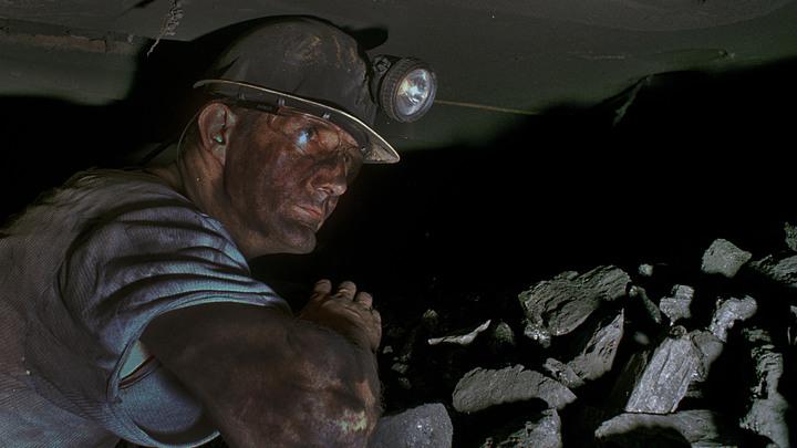 Выхода нет: Оставшиеся без зарплаты львовские шахтеры решили остаться в забоях