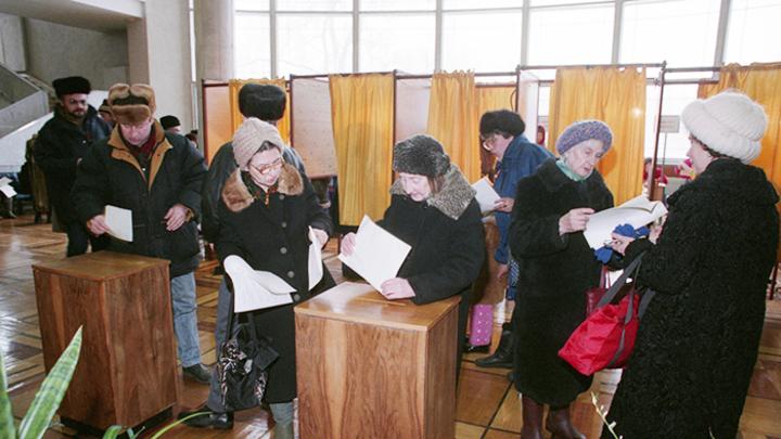 25 лет возрожденному российскому парламентаризму: Как это было