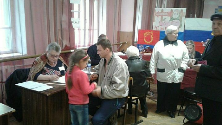 В Сети показали дикие нарушения на выборах в Приморье. В несуществующей гимназии