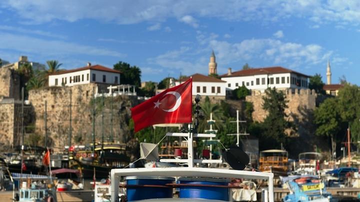 «Это был не отдых»: Что делали дети брянских чиновников в Турции