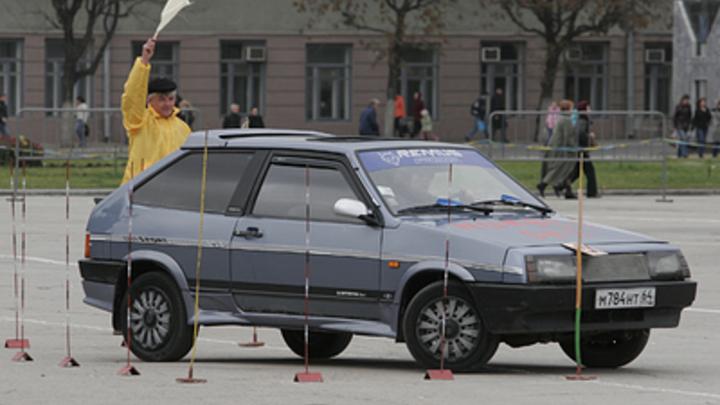 Автошколы рублем накажут за плохих водителей-″чайников″: ГИБДД прорабатывает вопрос