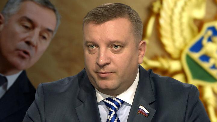 Черногория поддержала санкции: Джуканович разбазаривает суверенитет