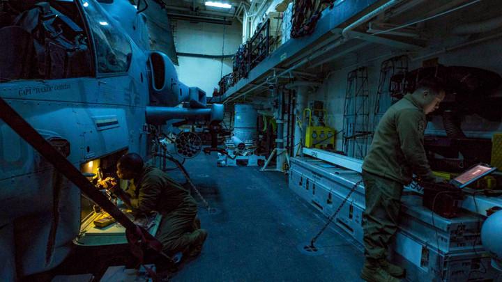 Американское судно Kearsarge ссотнями морпехов движется всторону Сирии